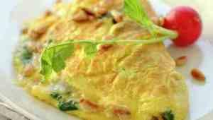 Prøv også Omelett med spinat, parmesan og pinjekjerner.