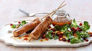 Prøv også Kalkunspyd med blandet salat, granateple og glaserte cashewnøtter.