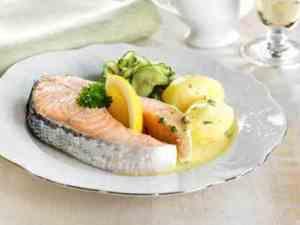 Prøv også Kokt laks med agurksalat og sandefjordsmør.