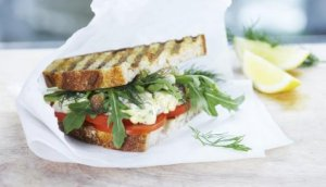 Prøv også Sandwich med krabbesalat og tomater.