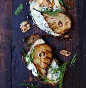 Prøv også Muslibrød med blåmuggost og pærer.
