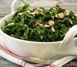 Prøv også Smørdampet grønnkål med hasselnøtter.