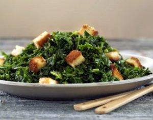 Prøv også Grønnkål og spinat med brødkrutonger.