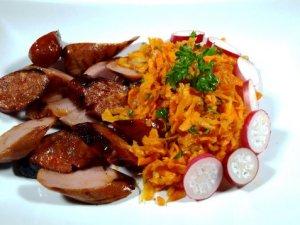 Prøv også Grillet chorizo grillpølse med gulrotsalat.