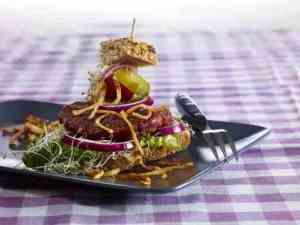 Prøv også Grønnsak-karbonader med sprøstekte selleristaver.