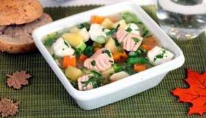 Les mer om Laks og steinbit i gryte med grønnsaker hos oss.