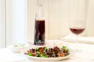 Prøv også Glaserte ribbebiter servert med rømme.