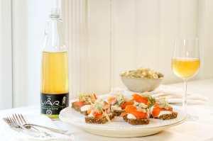 Prøv også Røkt laks med pepperrotkrem og surkål på rugbrød.