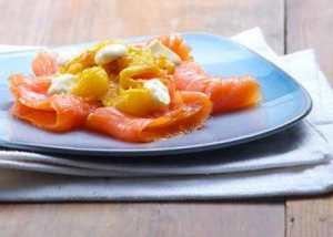 Prøv også Røykt laks med crème fraîche og gul paprika.