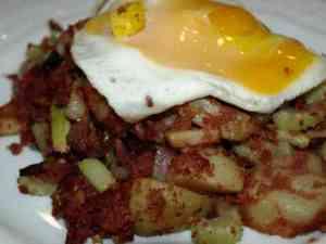 Prøv også Corned biff med poteter og egg.
