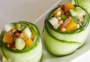 Prøv også Agurkruller med tomat- og linsesalat.