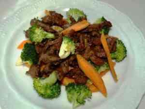 Prøv også Svinewok med brokkoli og gulrot.