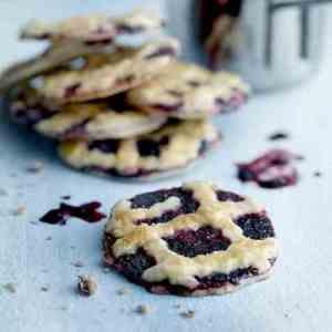 Prøv også Blueberry Pie Cookies.