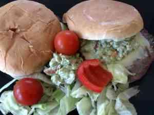 Prøv også Mexi-burger med avokado-salsa.