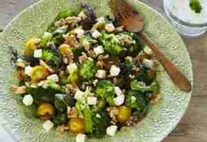Prøv også Lun brokkolisalat med fetaost.