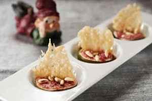 Prøv også Bakt fiken med parmesan-chips og pinjekjerner.