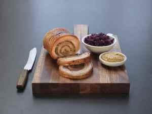 Prøv også Porchetta, italiensk ribberull.