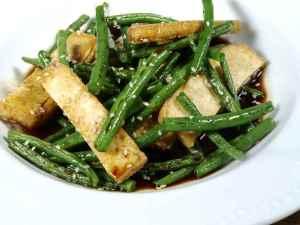 Prøv også Tofu med bønner i teriyakisaus.