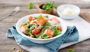 Prøv også Marit Bjørgens pasta og laks med kremet pesto.