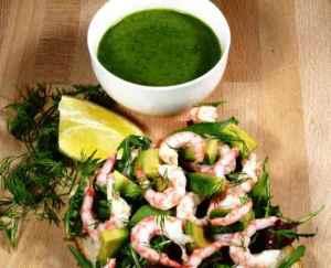 Prøv også Rekesmørbrød med blandet salat, avocado og basilikumdressing.