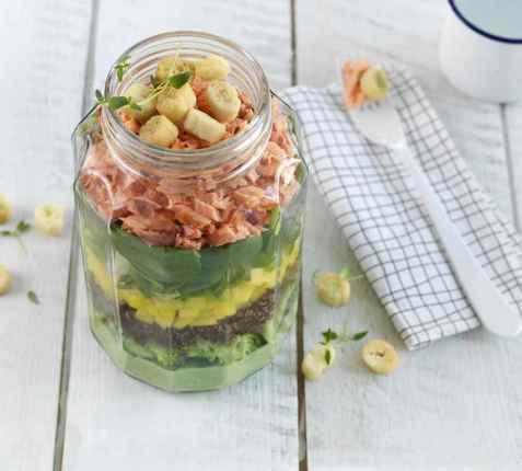 Prøv også Salat med varmrøkt laks.