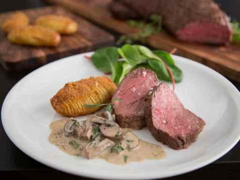 Prøv også Helstekt indrefilet med hasselback poteter og kremet sopp.