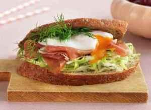 Prøv også Sandwich med spekeskinke og posjert egg.