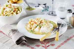 Prøv også Torsk med eple- og fennikelsalat og persillesaus.
