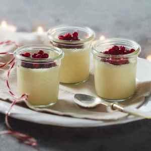 Prøv også Pannacotta med gløggtyttebær.