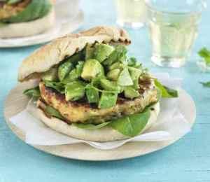Prøv også Grillet lakseburger med avokadosalsa.