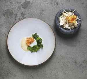 Prøv også Mikael Svenssons skrei med saus og grønnkål.