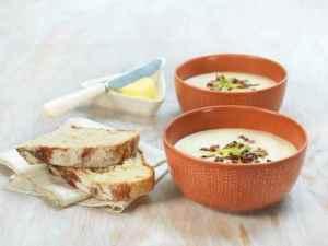 Prøv også Blomkålsuppe med bacon og vårløk.