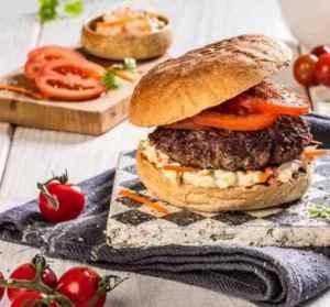 Prøv også Hamburger med tomat og coleslaw.