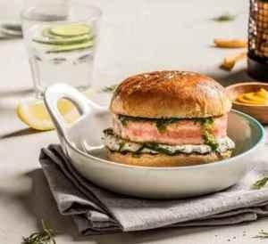 Prøv også Saftig lakseburger med tzatziki.