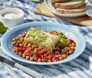 Prøv også Urtemarinert grillet klippfisk med lun kikertsalat.