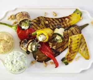 Prøv også Grillede grønnsaker med hummus og tzatziki.