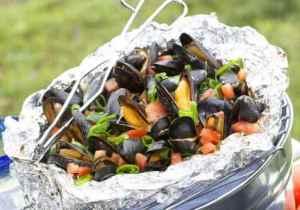 Prøv også Blåskjell med tomat og vårløk på grillen.