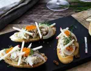 Prøv også Krabbe-crostini med fennikel og eple.