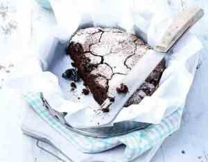 Prøv også Fyldig sjokoladekake med svisker.