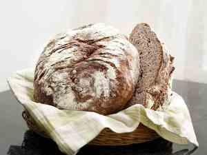 Prøv også Valnøttbrød med deilig smak av appelsin.