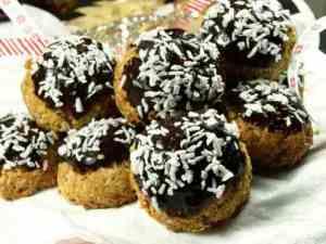 Prøv også Havremakroner med kokos og sjokolade.