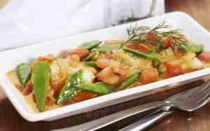 Prøv også Fiskekarri med sukkererter og tomater.