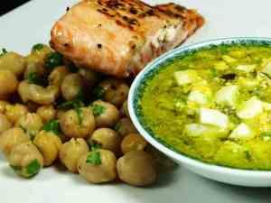 Prøv også Grillet laks med kikerter og tartarsaus.