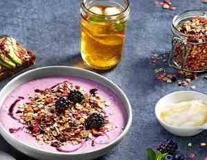 Prøv også Bjørnebær og honning smoothie bowl.