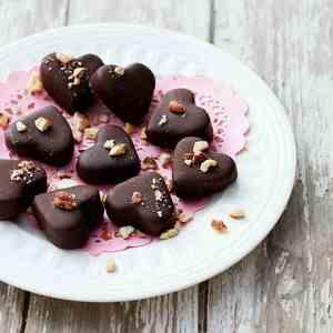 Prøv også Cookie dough dyppet i sjokolade.