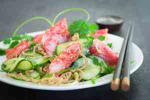Prøv også Salat med LobNobs og fullkornnudler.