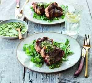 Prøv også Lammekoteletter med sitronmynte salsa verde.