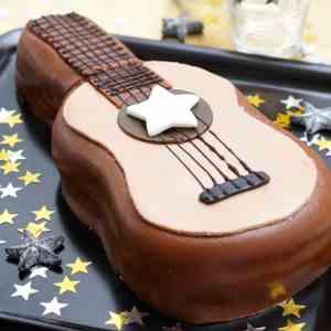 Prøv også Gitarkake.