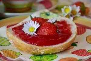 Prøv også Bringebær- og jordbærsyltetøy.