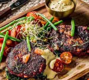 Prøv også Vegetarbiff med bearnaisesaus og tomatsalat.